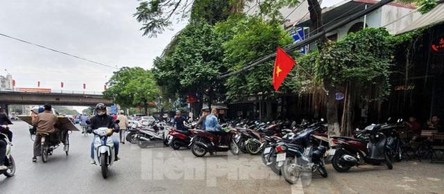 Hàng loạt Chủ tịch phường, quận của Hải Phòng bị phê bình vì vỉa hè bị lấn chiếm - Ảnh 6.