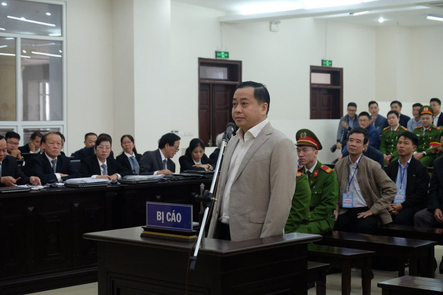 Cựu Chủ tịch Đà Nẵng Trần Văn Minh bị đề nghị đến 27 năm tù, Phan Văn Anh Vũ chưa khai nhận hành vi phạm tội - Ảnh 2.  Cựu Chủ tịch Đà Nẵng Trần Văn Minh bị đề nghị đến 27 năm tù, Phan Văn Anh Vũ chưa khai nhận hành vi phạm tội photo 1 15783668032352075860837