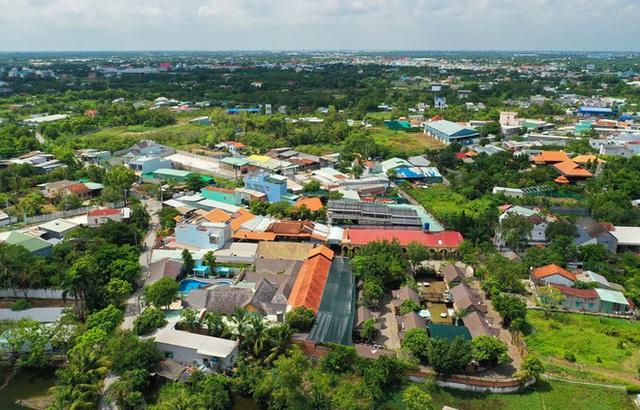 [Ảnh] Hàng trăm người cưỡng chế, tháo dỡ 2.000m2 công trình sai phạm tại Gia Trang quán – Tràm Chim Resort ở Sài Gòn - Ảnh 7.