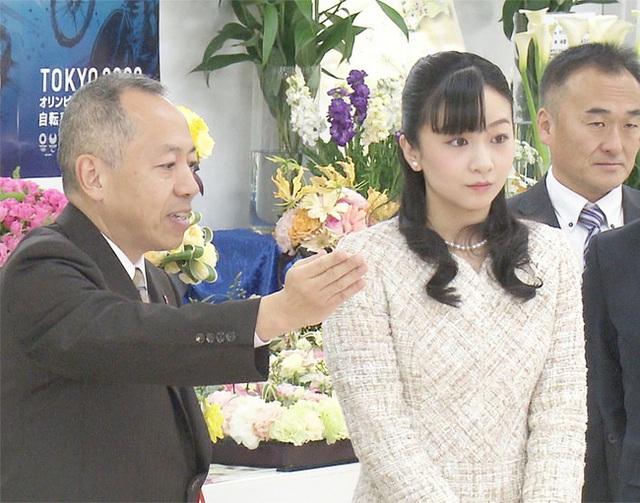 Công chúa xinh đẹp nhất Nhật Bản lại gây chú ý với nhan sắc đẹp hơn hoa và thông báo gây sốc của hoàng gia - Ảnh 2.