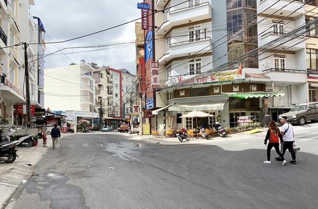 Du khách hủy hàng vạn phòng lưu trú ở Đà Lạt vì corona - Ảnh 2.