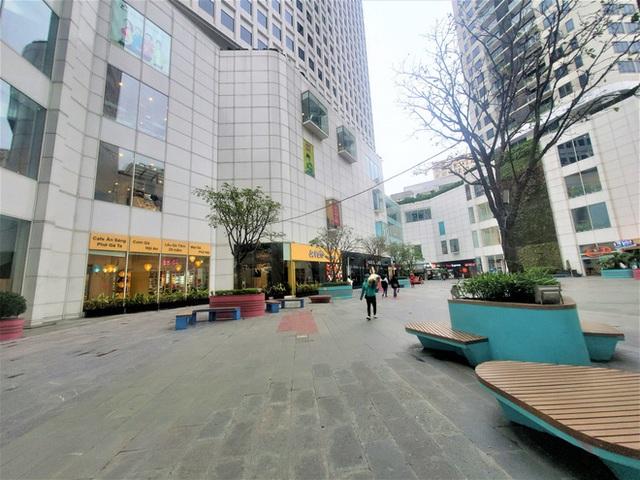 Cảnh khác lạ của loạt trung tâm thương mại, khu vui chơi mua sắm tại Hà Nội - Ảnh 13.
