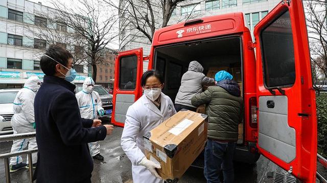 Trung Quốc cách chức, phạt hàng trăm quan chức giữa bùng phát virus corona - Ảnh 1.