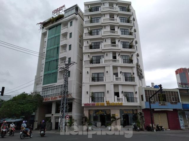 Khách sạn, nhà hàng Nha Trang ế ẩm vì vắng khách du lịch - Ảnh 4.