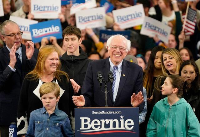 Bầu cử Mỹ: Cựu Phó Tổng thống Biden khởi đầu thất vọng - Ảnh 1.