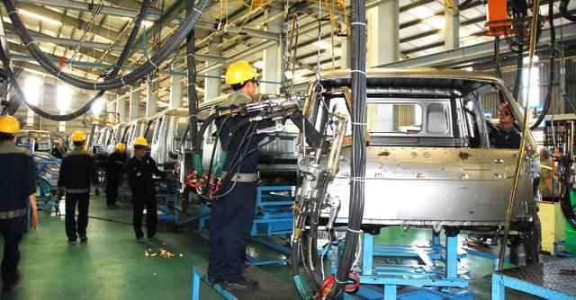 Bất ngờ cạn nguồn, nhiều nhà máy ô tô Việt phải ngừng sản xuất - Ảnh 1.