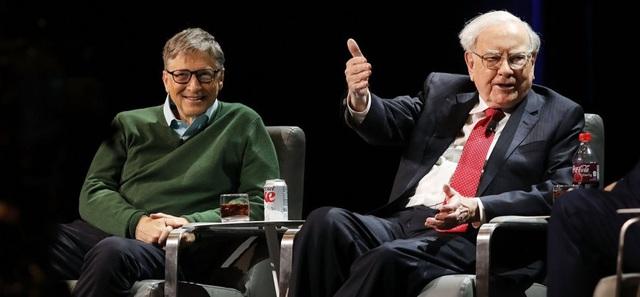 20 năm trước, Warren Buffett không tiếc đầu tư cả tỷ USD cho vợ chồng Bill Gates nhưng lời khuyên này mới là thứ khiến họ thức tỉnh và trân trọng suốt đời - Ảnh 1.