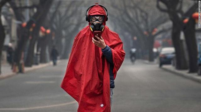 Người đến từ Vũ Hán: Đi đâu cũng bị ghẻ lạnh, trở thành tội đồ bị cộng đồng cô lập cách ly và lời khẩn cầu tha thiết - Ảnh 1.