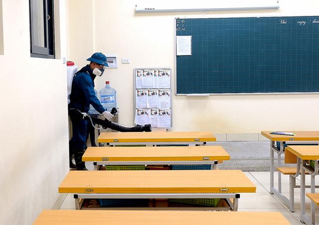 [Ảnh] Hà Nội: Các trường học vệ sinh, khử trùng để phòng dịch nCoV - Ảnh 14.