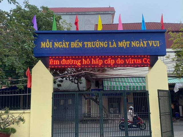 [Ảnh] Hà Nội: Các trường học vệ sinh, khử trùng để phòng dịch nCoV - Ảnh 17.