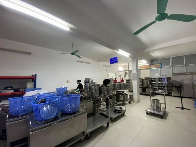 [Ảnh] Hà Nội: Các trường học vệ sinh, khử trùng để phòng dịch nCoV - Ảnh 3.
