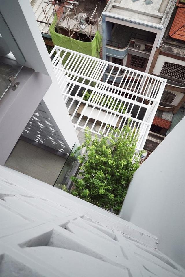 Nhà phố nhỏ hẹp ở Sài Gòn siêu sáng tạo, đẹp hút hồn - Ảnh 4.