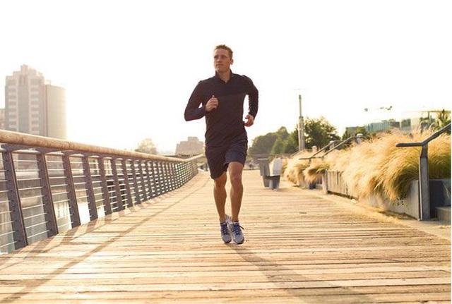 Bác sĩ khuyên tôi đi bộ 1.5000 bước/ngày để tránh tối đa nguy cơ bệnh tật: Thực hiện đều đặn vừa sảng khoái tinh thần, vừa tăng cường sức khỏe - Ảnh 2.