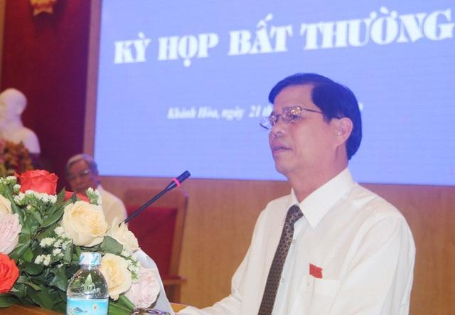 Ông Nguyễn Tấn Tuân giữ chức Chủ tịch UBND tỉnh Khánh Hòa  - Ảnh 2.