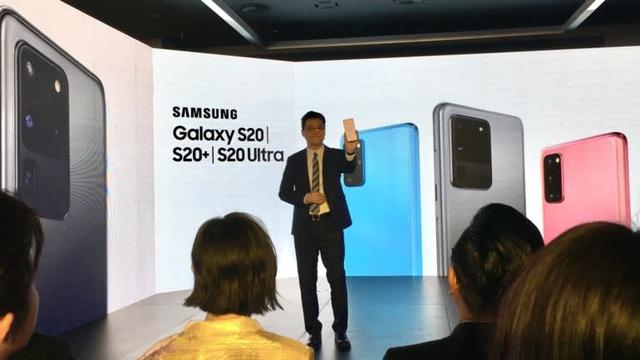 Nikkei: Samsung Việt Nam khẳng định vẫn hoạt động trong tình trạng hoàn hảo, FPT Retail hưởng lợi vì nhu cầu mua smartphone và laptop để học trực tuyến tăng vọt - Ảnh 1.