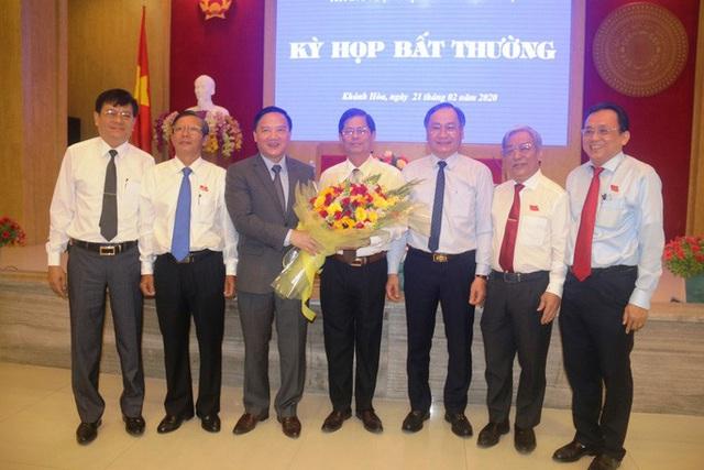 Ông Nguyễn Tấn Tuân giữ chức Chủ tịch UBND tỉnh Khánh Hòa  - Ảnh 3.