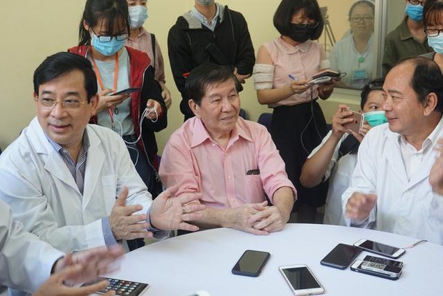 """Bệnh nhân Việt kiều Mỹ nhiễm Corona được chữa khỏi ở Sài Gòn: """"Các bác sĩ đã cứu tôi từ chỗ chết trở về - Ảnh 9.  Bệnh nhân Việt kiều Mỹ nhiễm Corona được chữa khỏi ở Sài Gòn: """"Các bác sĩ đã cứu tôi từ chỗ chết trở về"""" photo 8 15822908847711598132058"""