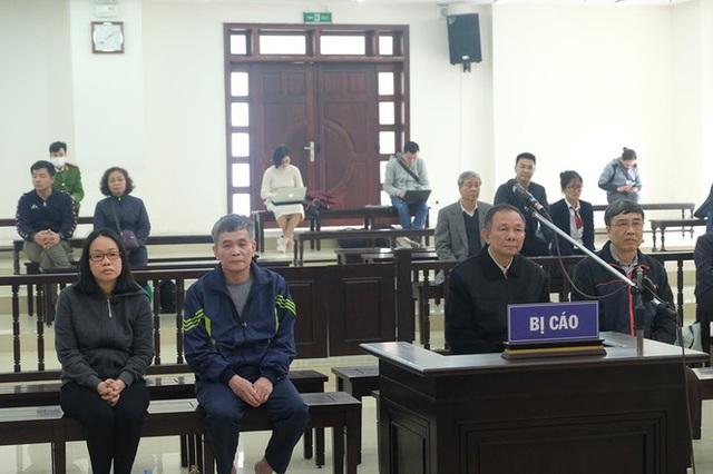 Cựu Thứ trưởng Lê Bạch Hồng được giảm án - Ảnh 1.