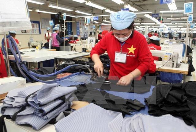 Trì hoãn các lô hàng ở Việt Nam tới 2 tuần, coronavirus đang đe dọa Uniqlo - Ảnh 1.
