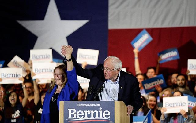 Mỹ: Ông Sanders đổ bê-tông đầu bảng đảng Dân chủ, ông Biden bám đuổi  - Ảnh 1.
