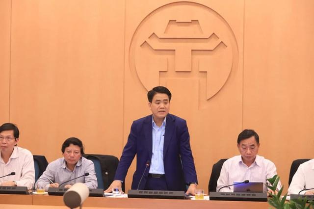 Chủ tịch Nguyễn Đức Chung đề nghị truyền thông nâng mức cảnh báo về dịch Covid-19 vì Hà Nội rất đáng lo lắng - Ảnh 1.