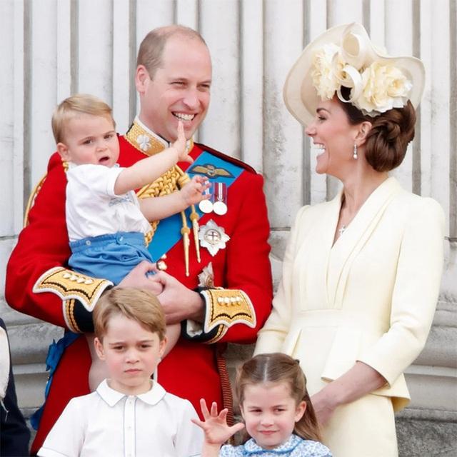 Nữ Công tước Kate Middleton thừa nhận có lỗi với con, nhưng cách dạy con của cô khiến nhiều người tâm phục khẩu phục - Ảnh 2.