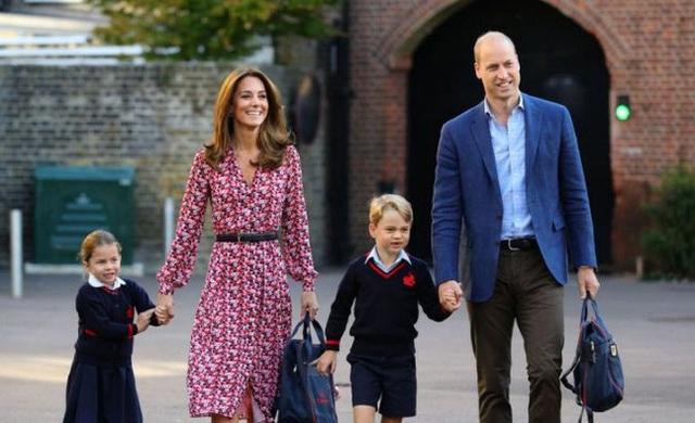 Nữ Công tước Kate Middleton thừa nhận có lỗi với con, nhưng cách dạy con của cô khiến nhiều người tâm phục khẩu phục - Ảnh 3.