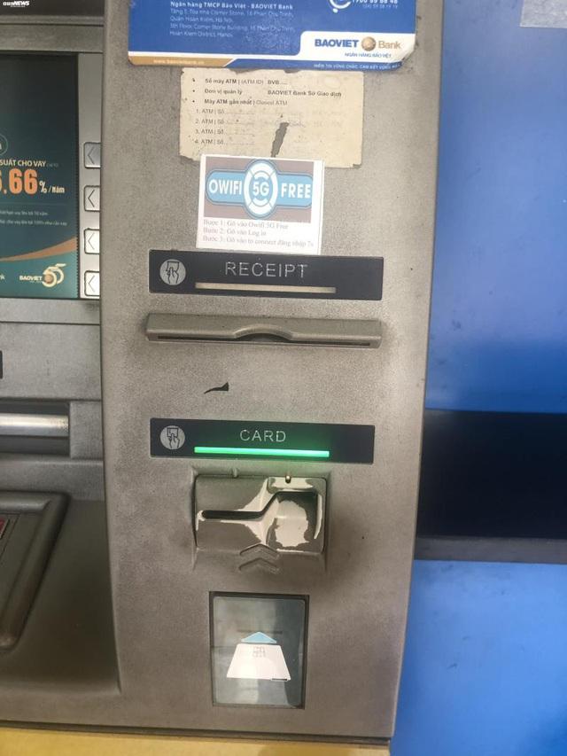 Hà Nội: ATM thờ ơ phòng dịch, khách lo nhiễm Covid-19 - Ảnh 6.