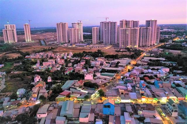 Theo kế hoạch phát triển, giai đoạn 1 của dự án có 17 công trình nhà ở chung cư cao tầng thuộc Khu A với tổng diện tích hơn 66,5 ha, quy mô dân số khoảng 37.600 người. Tổng số căn hộ vào khoảng 10.300 căn.