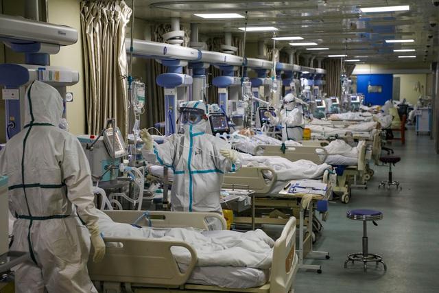 Nhật ký nữ bác sĩ: Không phải trực đêm do bệnh thận, nhưng vì Vũ Hán mà sẵn sàng cùng đồng nghiệp chiến đấu với virus corona - Ảnh 3.