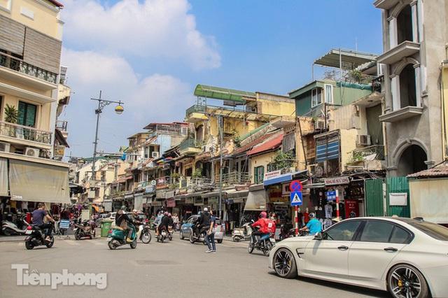 Những tuyến phố đắt đỏ có giá đất cả tỷ đồng/m2 ở Hà Nội - Ảnh 5.