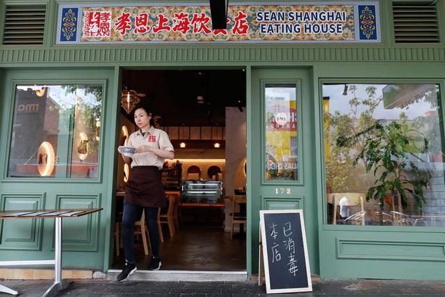 Lo sợ dịch bệnh, những nhà hàng ở các khu Chinatown trên khắp thế giới vắng lặng không một bóng người - Ảnh 1.