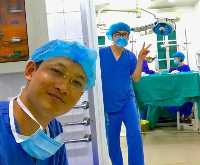"""BS Quốc Khánh - bệnh viện Hữu nghị Việt Đức: """"Mang tâm trạng buồn lo, xin đừng cầm dao mổ"""" - Ảnh 7."""