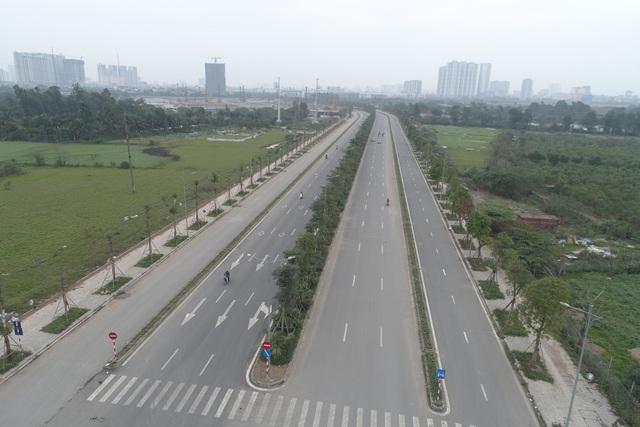 Toàn cảnh tuyến đường gần 1.500 tỷ đồng rộng 10 làn vừa thông xe ở Hà Nội - Ảnh 3.