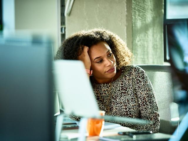 11 dấu hiệu chứng tỏ bạn đau khổ vì công việc: Điều 1 và 3 khiến số đông không khỏi bất ngờ, nếu đủ cả thì nên nghiêm túc nghĩ về chuyện nghỉ việc - Ảnh 9.