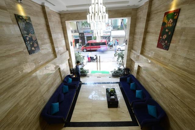 Cận cảnh khách sạn cho nhân viên nghỉ việc 4 tháng, trợ cấp 1,5 triệu đồng/người/tháng, lương sếp cũng như nhân viên vì Covid-19 - Ảnh 3.
