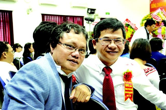 """Chân dung """"hiệp sĩ phá dịch"""", bác sĩ Trương Hữu Khanh: Từ kẻ gàn dở của ngành y tới danh hiệu Thầy thuốc ưu tú, cứu giúp cho vô số người - Ảnh 1."""