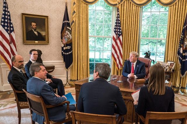 Tổng thống Trump thừa nhận là người cuồng sạch sẽ, khuyên người dân làm theo thói quen giữ vệ sinh kỳ lạ của mình giữa mùa dịch Covid-19 - Ảnh 2.