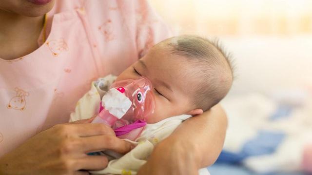Những người thường xuyên mắc viêm phổi có dễ nhiễm virus corona hơn người bình thường không? Câu trả lời của chuyên gia sẽ khiến bạn phải giật mình! - Ảnh 2.