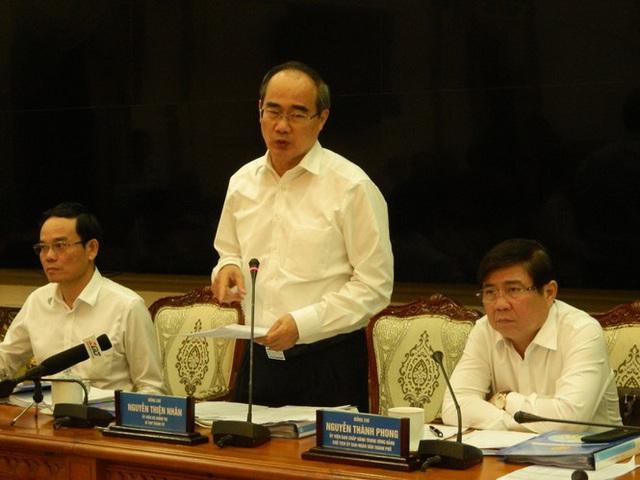 Chủ tịch TPHCM 'điểm danh' cán bộ đi nước ngoài để phòng dịch corona - Ảnh 3.