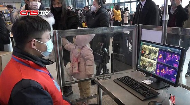 Virus Corona gây ảnh hưởng nặng nề đến hoạt động sản xuất tấm nền LCD và smartphone của Trung Quốc - Ảnh 1.