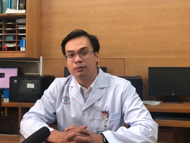 Bí mật 3 ngày Tết của bác sĩ Việt cứu thành công bố con người Trung Quốc nhiễm nCoV - Ảnh 1.