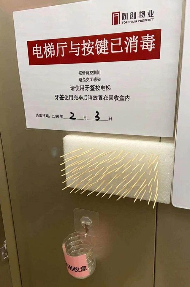 Chống lây nhiễm virus corona bằng cách dùng tăm, khăn giấy bấm số thang máy liệu có hiệu quả không? - Ảnh 3.