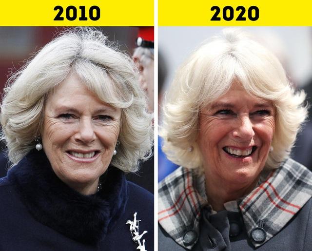 Cùng điểm qua những đổi thay của các thành viên Hoàng gia Anh trong 10 năm qua: Con cháu đã lớn khôn nhưng Nữ hoàng Elizabeth II chẳng hề thay đổi! - Ảnh 4.