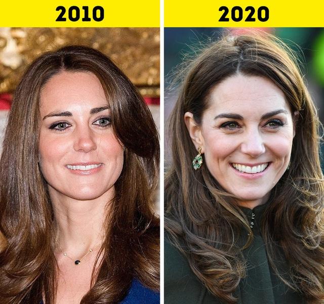 Cùng điểm qua những đổi thay của các thành viên Hoàng gia Anh trong 10 năm qua: Con cháu đã lớn khôn nhưng Nữ hoàng Elizabeth II chẳng hề thay đổi! - Ảnh 6.