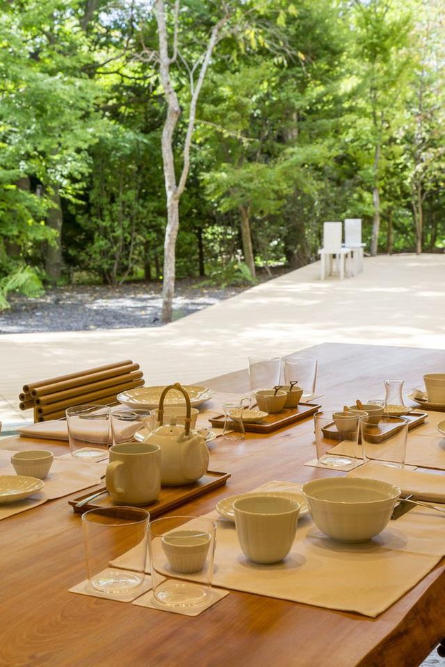 Vẻ đẹp trác tuyệt nhà gỗ uốn cong giữa khu rừng ai cũng muốn trải nghiệm - Ảnh 9.