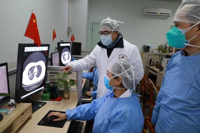 Cơ quan y tế Trung Quốc thêm các triệu chứng mới vào danh sách các triệu chứng chẩn đoán một người nhiễm virus corona Vũ Hán - Ảnh 1.