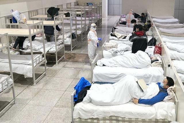 Cập nhật virus corona Vũ Hán: Số người chết tăng lên 565, Singapore báo cáo 1 bé trai 6 tháng tuổi nhiễm bệnh, thuốc kháng virus được chấp thuận thử nghiệm lâm sàng - Ảnh 3.