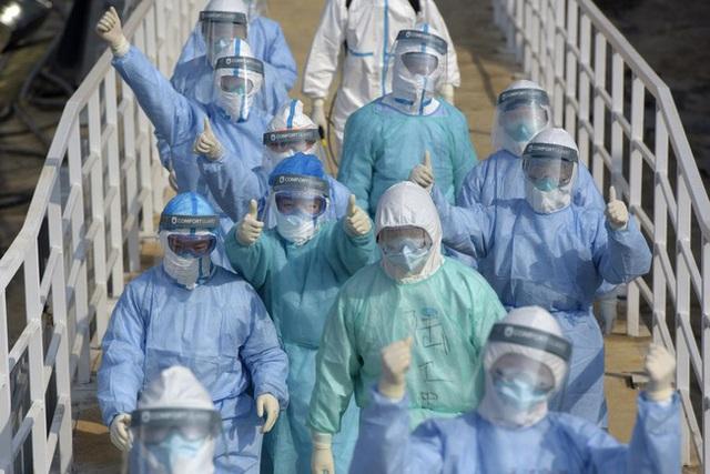 Cập nhật virus corona Vũ Hán: Số người chết tăng lên 565, Singapore báo cáo 1 bé trai 6 tháng tuổi nhiễm bệnh, thuốc kháng virus được chấp thuận thử nghiệm lâm sàng - Ảnh 4.