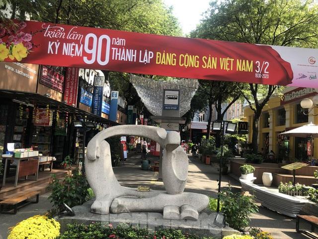 Sợ corona, nhiều điểm tham quan ở Sài Gòn 'vắng như chùa bà đanh' - Ảnh 6.  Sợ corona, nhiều điểm tham quan ở Sài Gòn 'vắng như chùa bà đanh' photo 5 1581040491603596350448